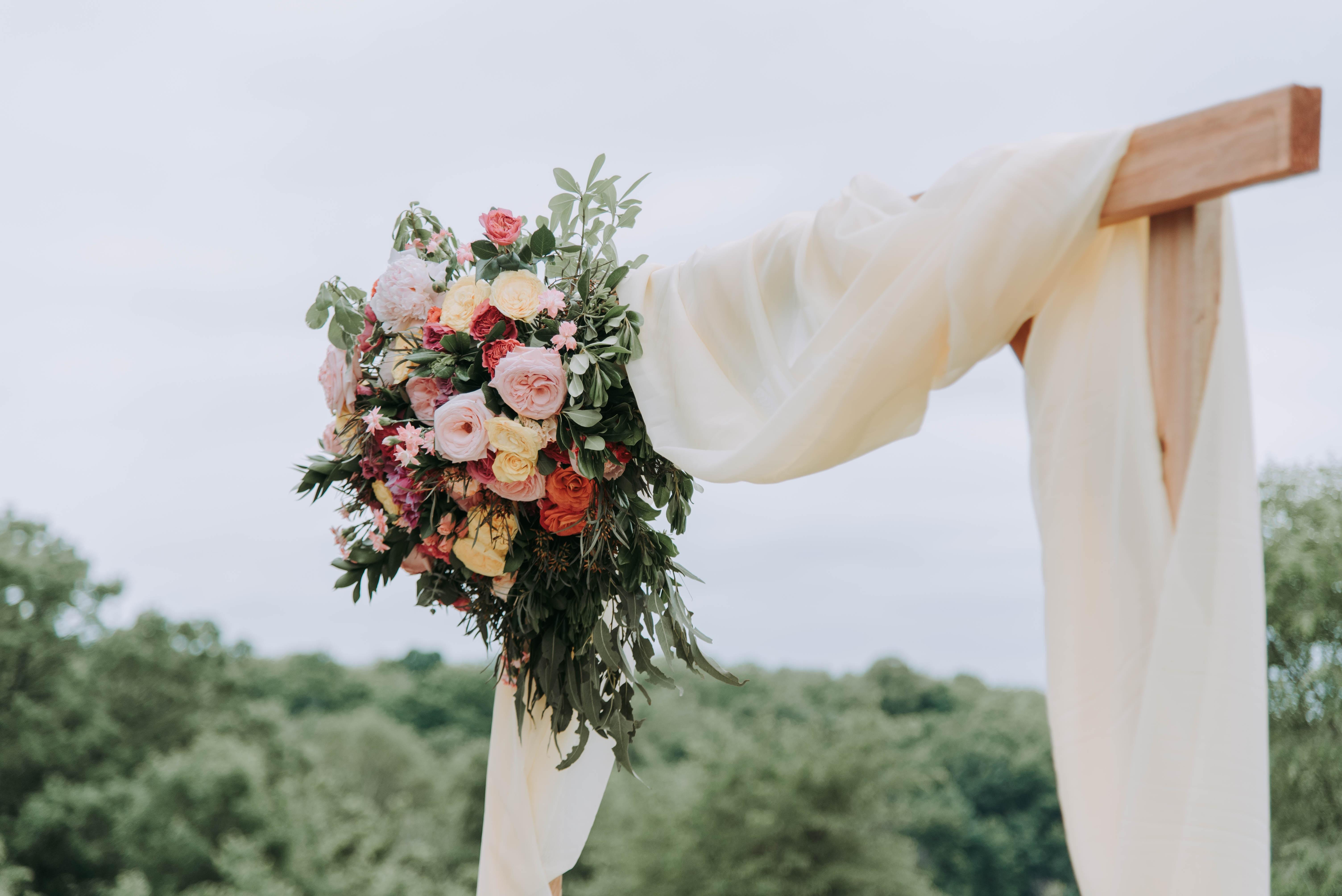 Decori floreali per celebrazione matrimonio
